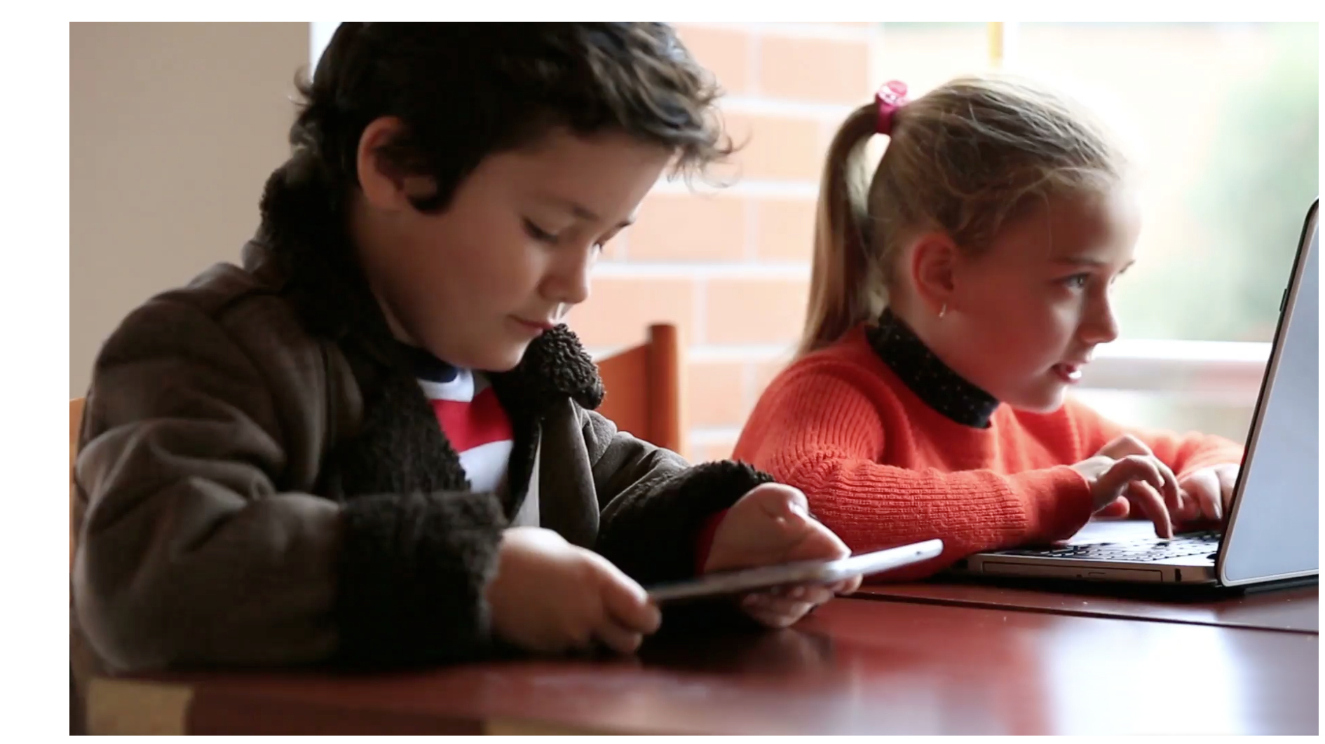 smart_kids_on_devices